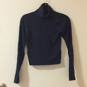 Fitted navy turtleneck shirt